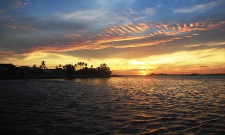 Sunset dari dermaga Pulau harapan